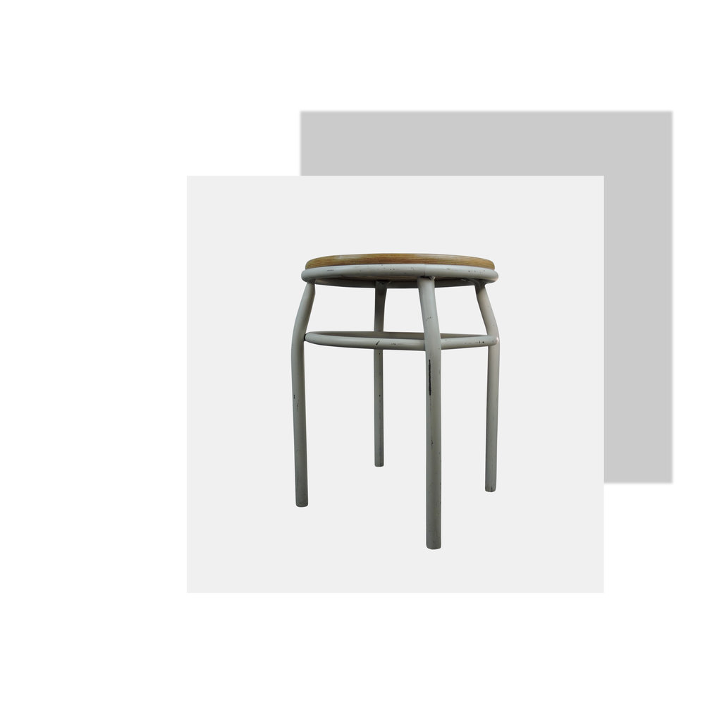 How sweet is this stool? Stools are really useful to have around the house because they have multiple uses. I love using them as plant stands but they are also great as bedside tables or for storing magazines. We chose this stool as one of our top spring picks because of how useful it is. Any room, you could put it in any room! Pop a plant on it and you have immediately changed how your room looks! (We do this all the time).