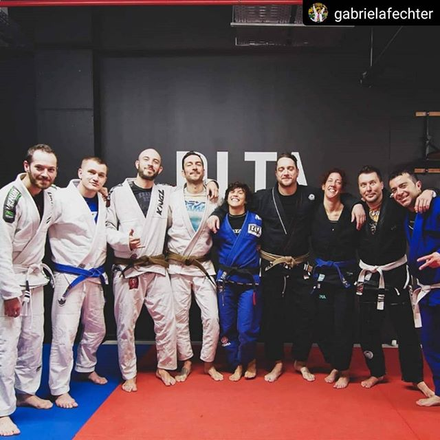 #Repost @gabrielafechter • • • • • Primeiro dia de seminário aqui em Luxemburgo. Muito feliz em poder dividir meu conhecimento com essa galera!! —  First seminar here in Luxembourg! Thank you everyone. I was so happy to share my knowledge with everyone. #jiujitsu #bjj #seminario #nuncadesistadosseussonhos #jiujitsustyle #blessed #checkmateurope #atamateam