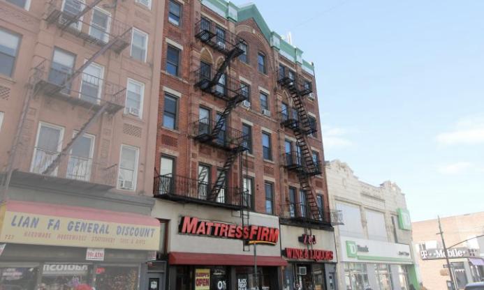 Manhattan Avenue - Greenpoint - Brooklyn - TerraCRG - Falkon.png