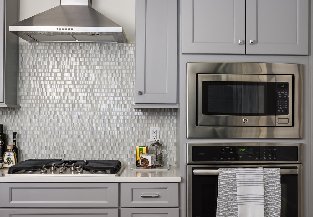 photo of a townhome range and wall oven