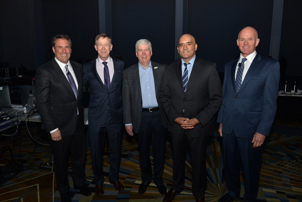 Mark Reuss, EVP General Motors; Gov. John Hickenlooper, State of Colorado; Gov. Rick Snyder, State of Michigan; Shailen Bhatt, President & CEO, ITS America; and Carlos Bracers, Director Utah DOT and Chairman of the Board, ITS America