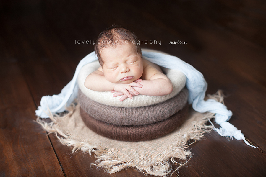 sacramento newborn photographer baby boy