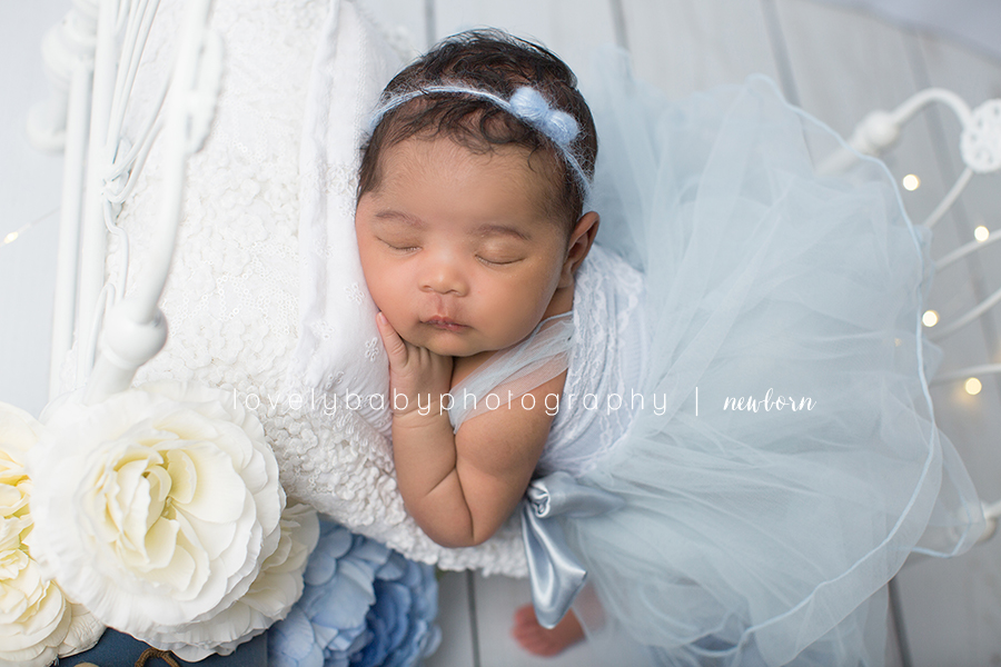 2 cinderella newborn photography session.jpg