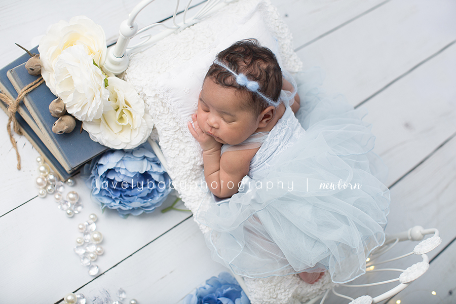 3 cinderella newborn photography session.jpg