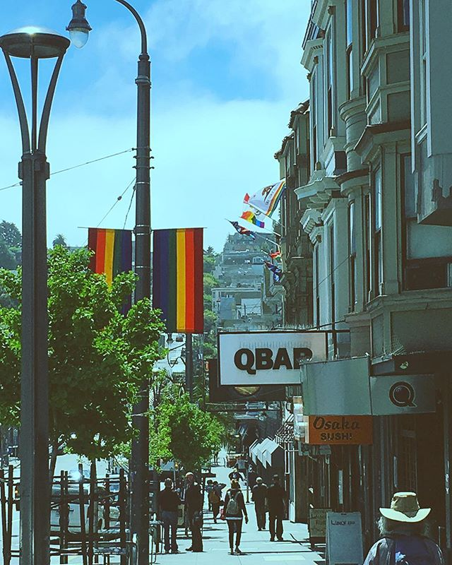 Lovely day in the Castro District 🌈🌈🌈🌈🌈🌈🌈🌈🌈🌈 * * * * #castro #lgbt #rainbow #exploresf #neighborhood #sunnyafternoon #sanfrancisco #🌈