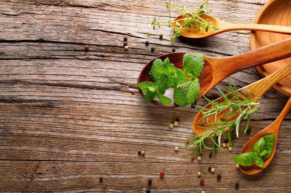 Crockpot-Garlic-Chicken-Parmesan-Herbs.jpg