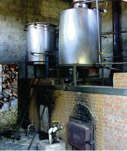 Destilação Cachaça Sapucaia, photo by Schermann