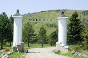 glenora-entrance