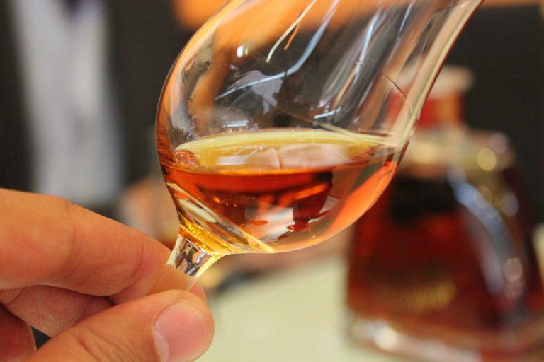 cognac_in_glass-768x512.jpg