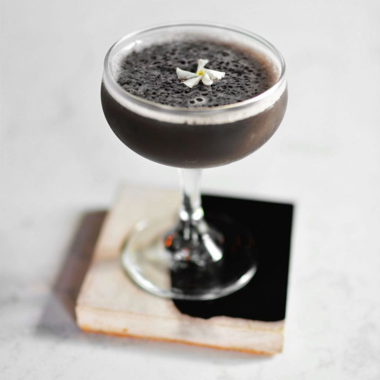 """Dramatic """"Dark Art"""" cocktail at the Maker's Mark dinner, photo by Madeline Rose."""