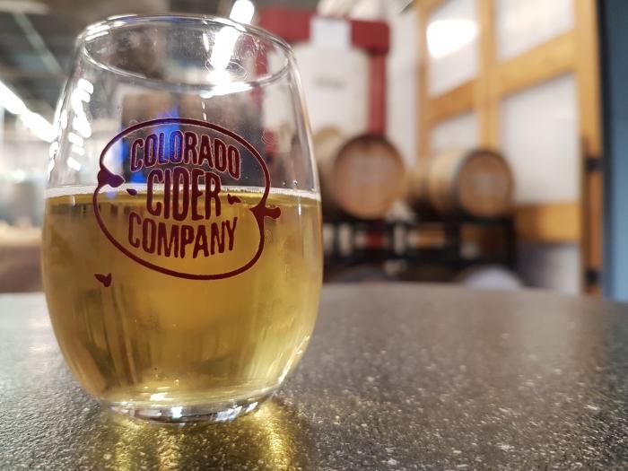 Colorado-Cider-Company-9-tasting.jpg