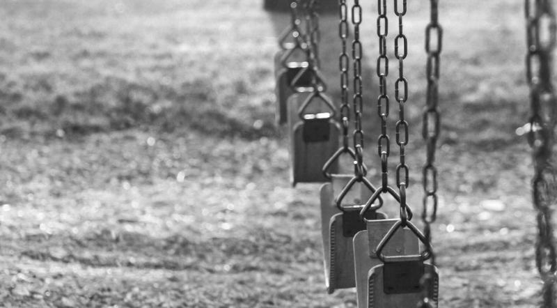 swings-111925_1920.jpg