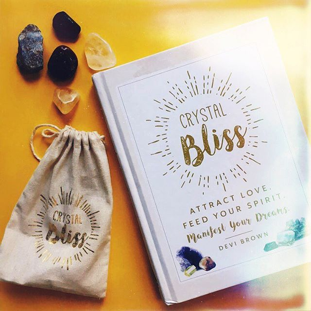 #crystalbilss by @devibrown — a guide to everything about healing crystals, from meditation mantras to jewelry pieces 💎