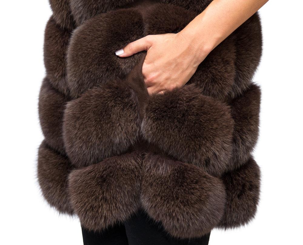 Noura Fox Fur Gilet Midi - Close Up.jpg