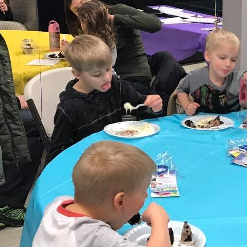 birthday party - kids table.jpg