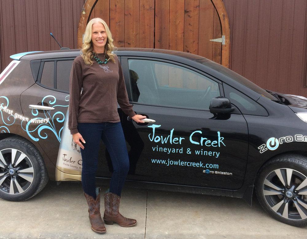 jowler-creek-winery-Colleen-Gerke-ev-driver.jpg