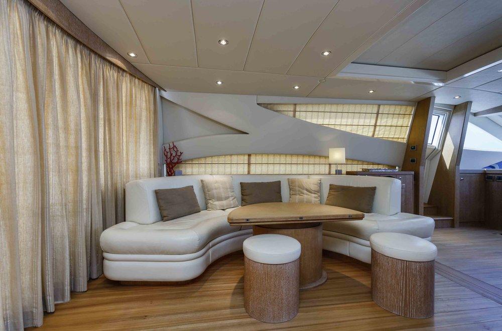 yacht-monaco-aménagement-tapissier.jpg