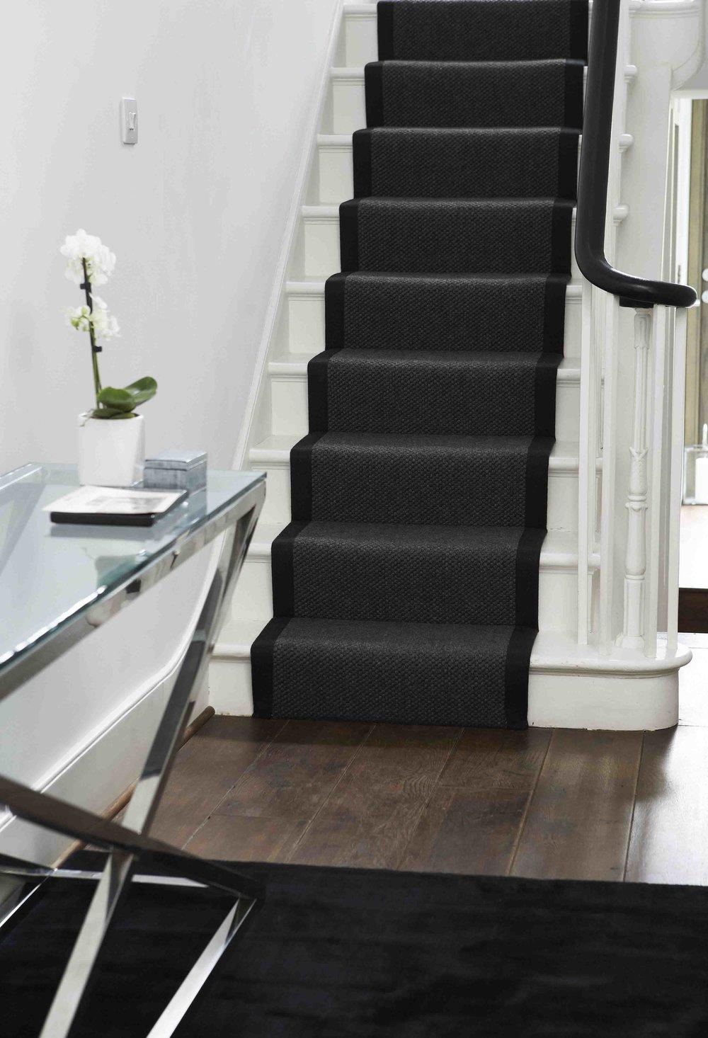 tapis-passage-escalier-surmesure-france.jpg