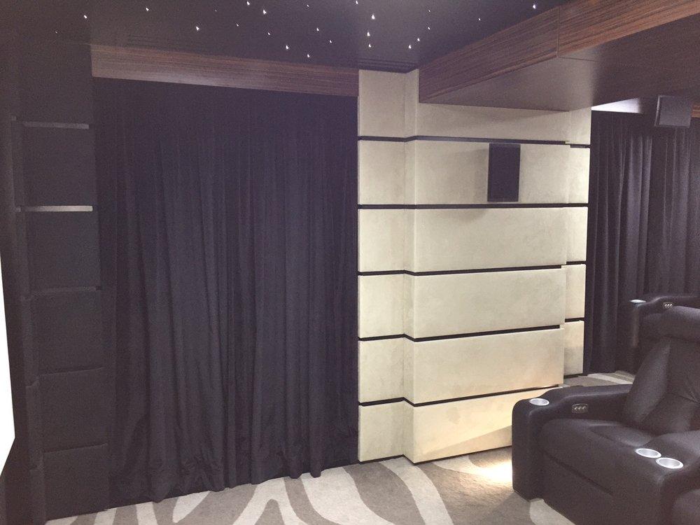rideaux velours noir home cinema