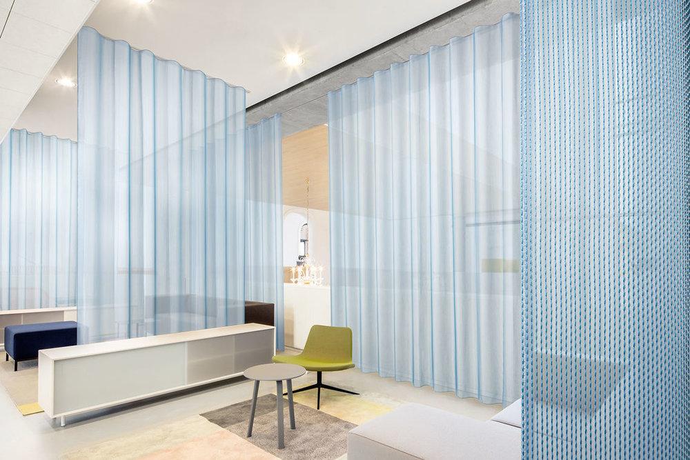 acoustique bureaux, vescom, voilage, wave, salle de réunion.jpg