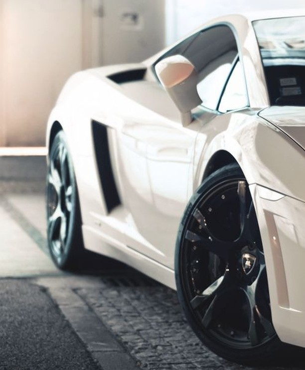 It's a good morning. #Gallardo #WestlakeGT #OGaraCoach #CuratorsoftheExtraordinary #AstonMartin #Bentley #Bugatti #RollsRoyce #Koenigsegg #Ferrari #Maserati #McLaren #Lamborghini #Pagani #AlfaRomeo
