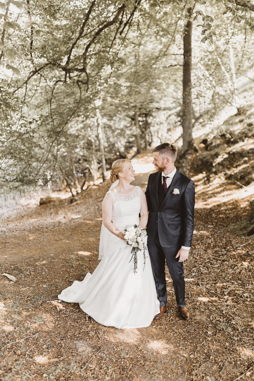 Lise & Hans Christian 2017 - Vi havde fornøjelsen af at have Adam som fotograf til vores bryllup i maj og vi er yderste tilfredse!Inden brylluppet mødtes vi med Adam for at afstemme vores forventninger. Allerede her fik vi et meget positivt indtryk af en meget behagelig og meget rolig fyr.Han er engageret og velforberedt. Nogle dage inden brylluppet tog Adam ud i området, hvor vi havde ønsket at blive fotograferet, for at finde ud af, hvordan solen ville stå på det tidspunkt, vores fotografering skulle finde sted. På sin tur fandt han andre, meget smukke steder til vores fotografering, som vi aldrig ville have fundet uden hans indsats - og dermed fik vi de mest fantastiske minder i form af nogle meget smukke billeder, der foreviger vores dag.Adam er klar med kameraet på de helt rigtige tidspunkter men samtidig mere eller mindre usynlig og han falder naturligt ind blandt de øvrige gæster.Vores gæster roste ham utrolig meget. Hans arbejde er udført til perfektion og vi kan kun give Adam de varmeste anbefalinger.