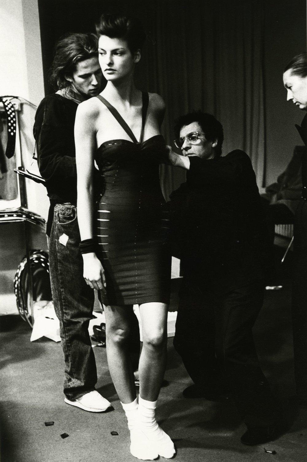 Linda Evangelista and Azzedine Alaïa, 1990. Courtesy of Sante D'Orazio.
