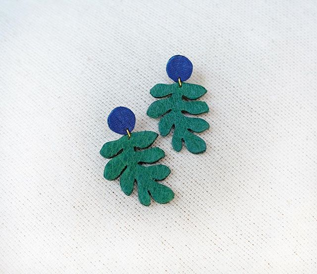 Everyone's been loving these Matisse Leaf Dangles! #earringsoftheday