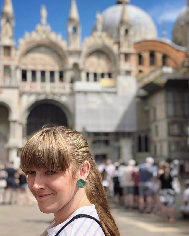 Where in the world is @lenamadedesigns? @amyaieshacombs brought hers to Venice!! #earringsoftheday (Where do you wear yours?)
