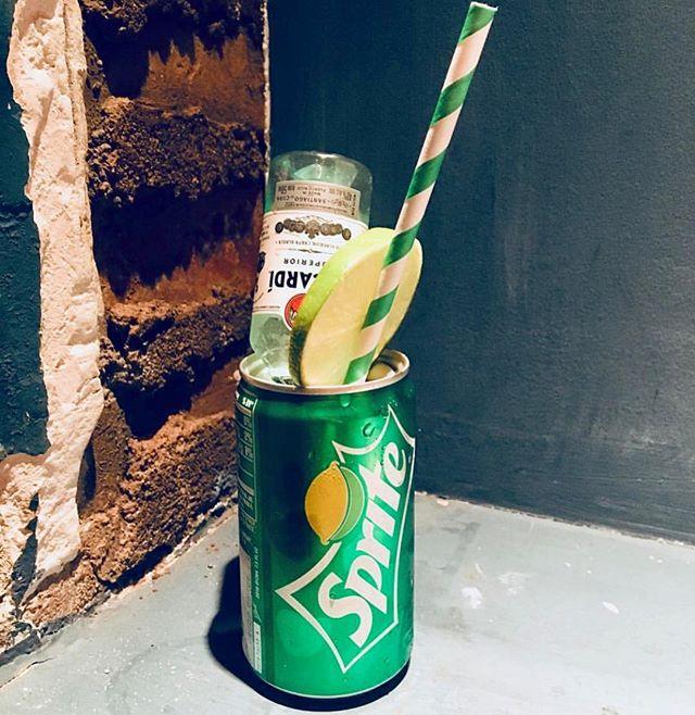 🍋🥤🍸😁 . . 📷: @brwngirlemoji . . #genuineliquorette #chachunker #draaaaanks #thirsty #cocktails #cocktailbar #basementbar #foodandwine #fwx #thirstythursday #happyhour #nyc #littleitaly #newyorkcity #datenight
