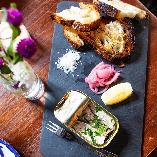Matlz sardine toast | For the fancy at heart 🍞🐟🍴 . . 📷: @getforkednyc #dantelovesyou #littleitaly #eeeeeats #foodporn #foodstagram #instafood #feedfeed #food #foodie #foodandwine #fwx #aperitivo #aperitivohour #nyc #newforkcity #newyork