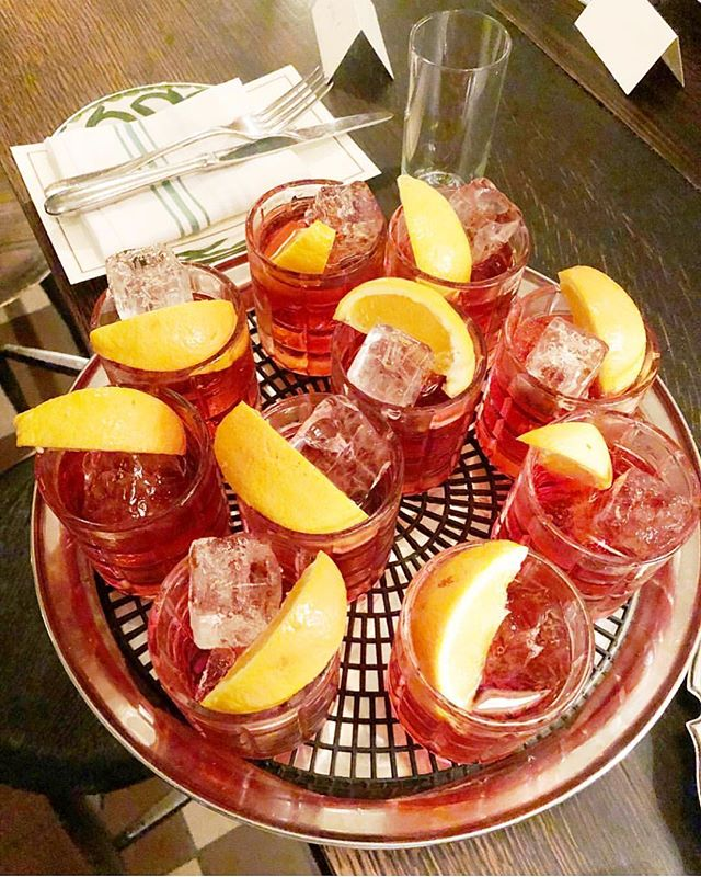 It's always negroni season @danteatgenuine 👌 . . 📷: @dantenewyorkcity #dantelovesyou #negroni #negroniseason #draaaaanks #drink #drinks #slurp #pub #bar #liquor #yum #yummy #thirst #thirsty #instagood #cocktail #cocktails #drinkup #glass #photooftheday #aperitivo #aperitivohour #newyork #newyorkcity #cocktailbar #littleitaly