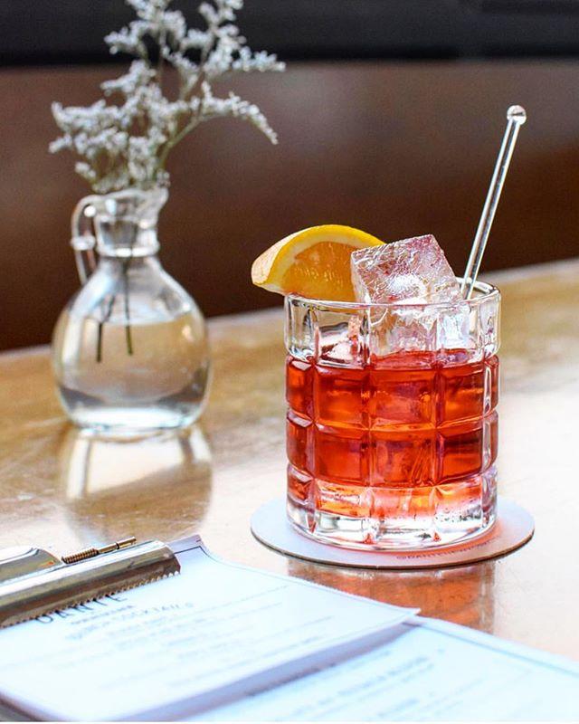 Negroni fountain flowing | Aperitivo hour 4-7pm . . 📷: @jasonpmoody #dantelovesyou #negroni #cocktials #draaaaanks #drink #thirst #thirsty #thirstythursday #cocktailbar #nyc #timeoutnewyork #eaternyc #drinkstagram #imbibe #nycbar
