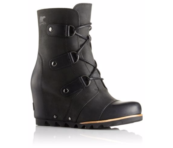 Sorel Joan Of Arctic - Black (PC: Sorel.com)