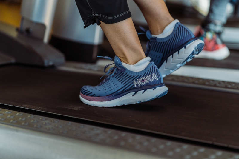 Hoka Clifton 5 Knit - Fly through your last personal record in these lightweight, high cushioned running shoes!Uses: Running, Walking, EverydayModel/PhotogRAPHY: Mel Ponwith/Cole Davis