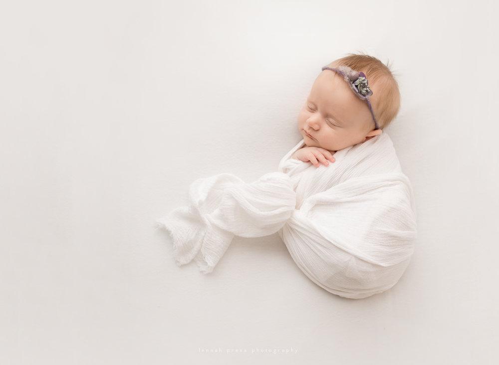 NewbornCora_Web-26.jpg