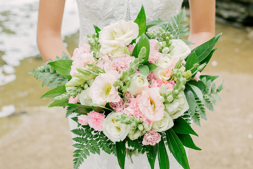 Summer-Wedding-Bouquet-Chicago-Glamour-Lace-Events.jpg