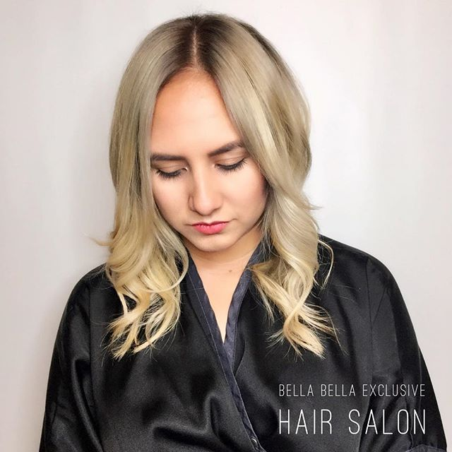 Blondes by Bella Bella. #oya #olaplex #goldwellapprovedus #kmsapprovedus #blondebombshell #blondeambition #doubleprocess #modernsalon #behindthechair #btcpics #corpuschristitexas #corpuschristisalons #magic #magical #handpainted #paintbynumbers