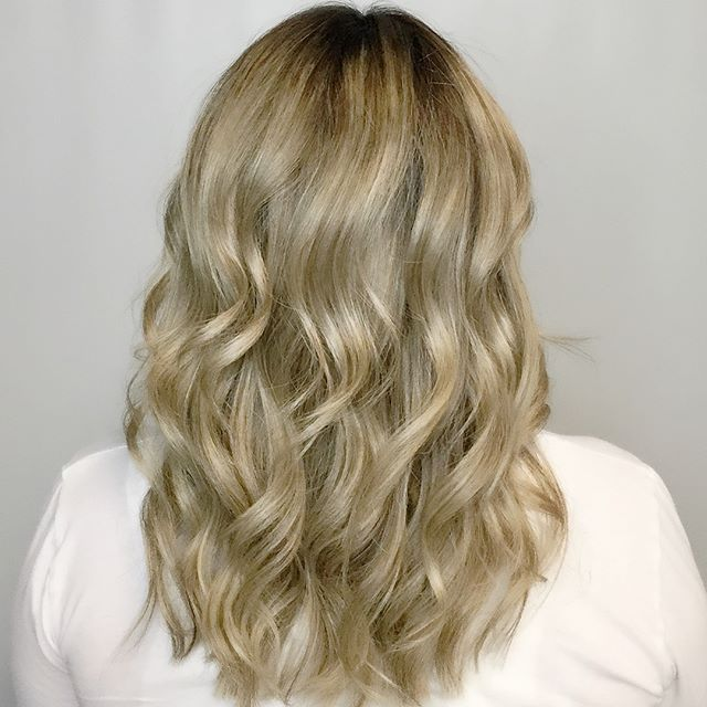 🎶This little light of mine 🎶 A lovely shadow root and color to brighten up this blonde. #blondes #blondeshavemorefun #light #shadowroot #shoplocalcctx #corpuschristisalon #olaplex #goldwell #goldwellapprovedus #behindthechair #instahair #haircolor #haircolour #hairdye #hairenvy #hairmagic#bellabellaexclusivehairsalon #bellabella #bookwithus #hairbrained #mondernsalon #mondernsalonmagazine #btcpics #americansalon #hairofinstagram #blondesofinstagram #hairinspo #hairgoals