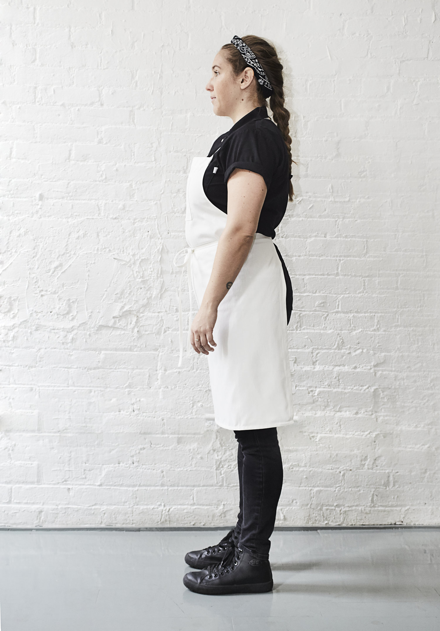 ALL-DAY KITCHEN Apron in White — C A M C A M