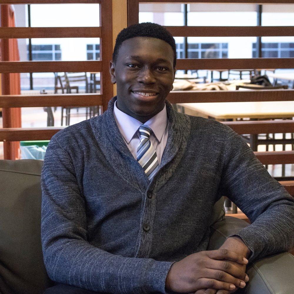 Nom: Muyiwa Womiloju  Année et Programme: 3ème année de Sciences biopharmaceutiques  Fait Amusant: Je suis né le jour de la fête nationale canadienne.  Courriel:  bps@ssa-aes.com