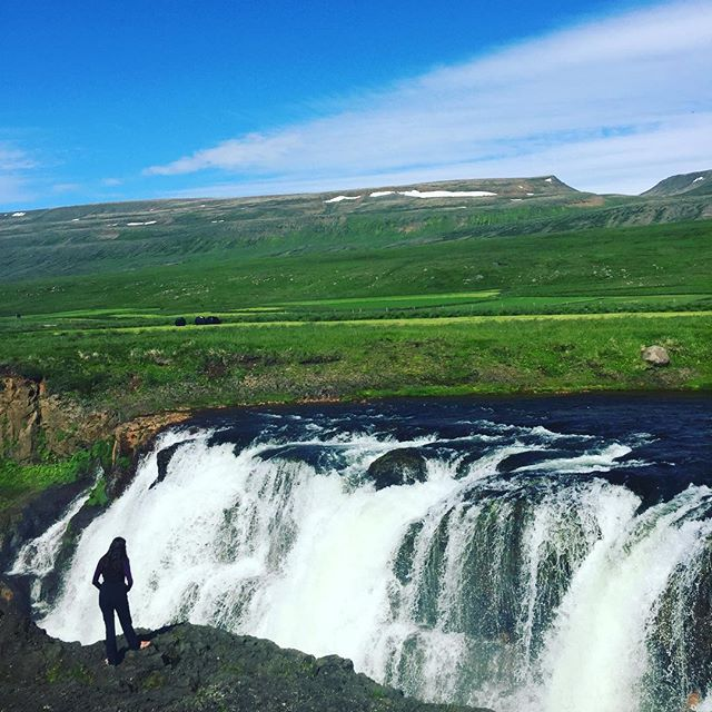🏄♀️🏄♀️🏄♀️ #summer #summerbreak #iceland #photography #travel #waterfall #wanderlust #travelphotography #travelplanning