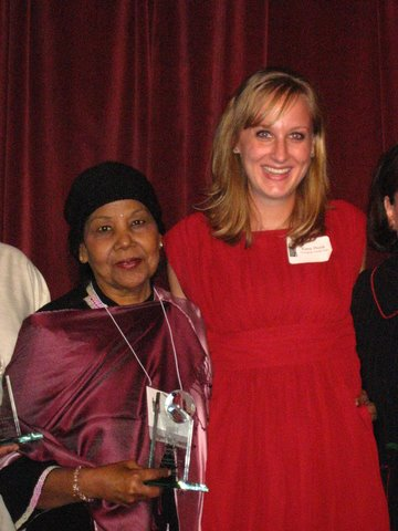 Mrs. Nayyar with Kara Hook, receiving Changing Worlds' 2007 Immigrant Contributions Award