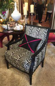 black-and-white-chair-1-190x300-1.jpg