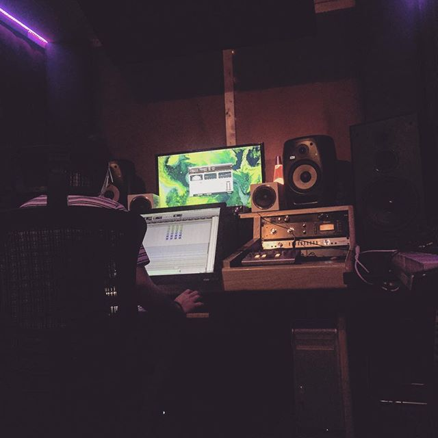 good vibes only -- #noho #la #studio #protools #recording #writing #singing #songwriter