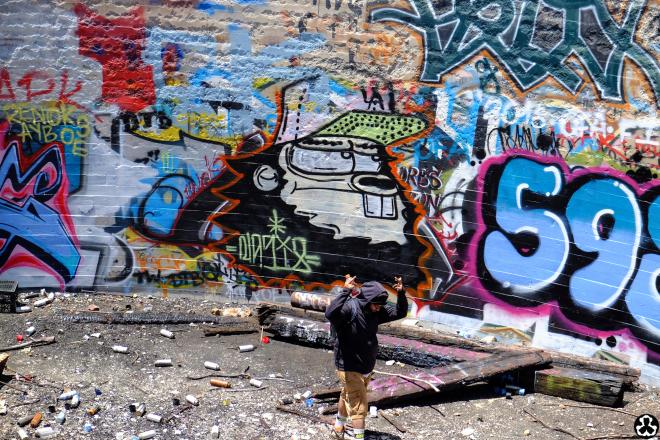 ape-is-dapper-los-angeles-nazi-yards-graffiti-20.jpg