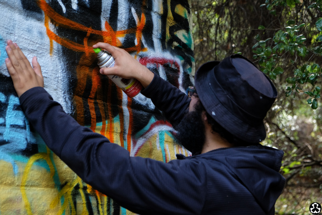 ape-is-dapper-los-angeles-nazi-yards-graffiti-4.jpg