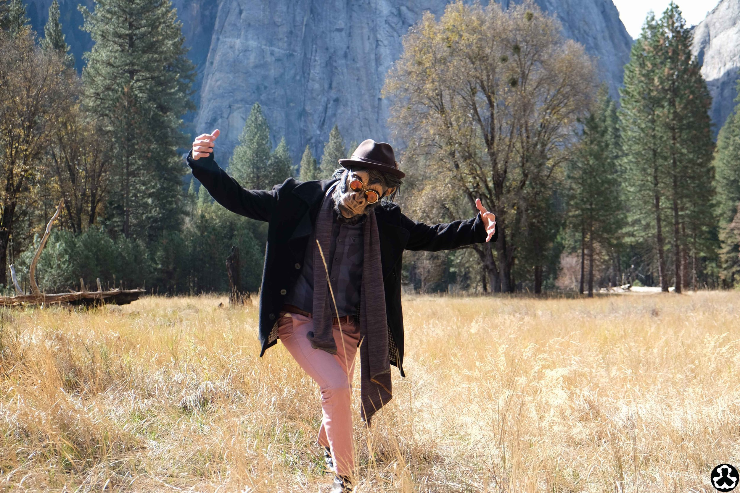 ape-is-dapper-apprentice-yosemite-outfits-7