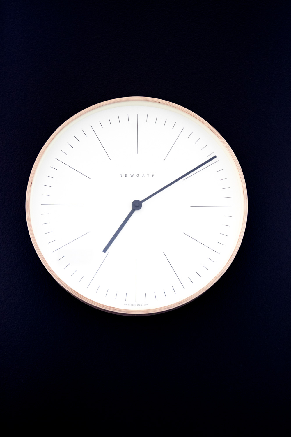 apt2b wall clock