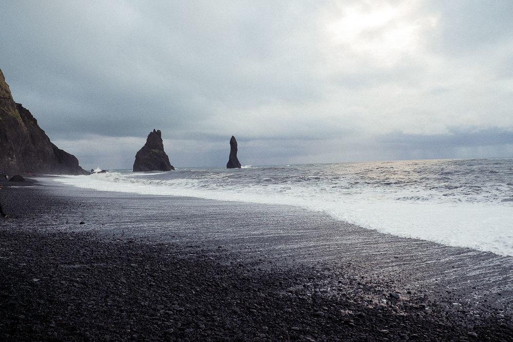iceland black sand beach rocks